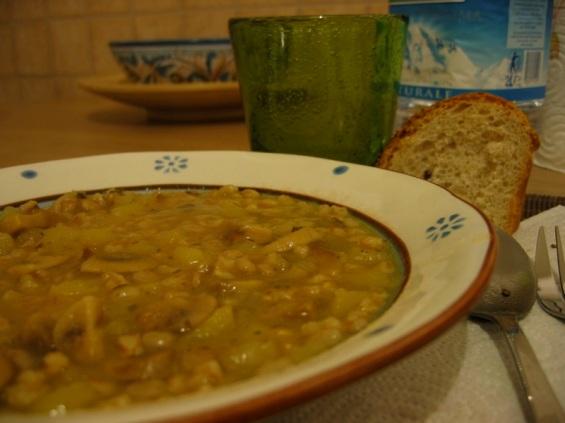 Zuppa di farro e funghi